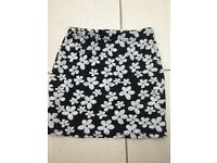 FLORAL SKIRT. BOOHOO. SIZE 10. BLACK AND WHITE. £3.00