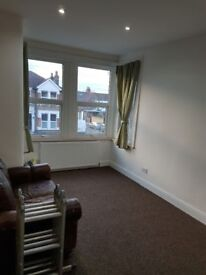 beautiful 1 bed flat first floor for rent