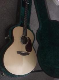 Faith FKNE Neptune all Solid Wood Guitar with case