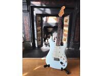 Fender Classic Player Stratocaster 60's, sonic blue. Custom Shop Designed.