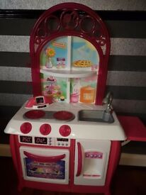 Barbie Groumet Kitchen