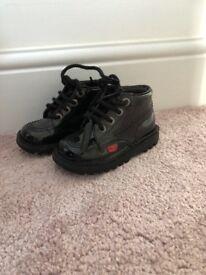 Black size 6 kickers
