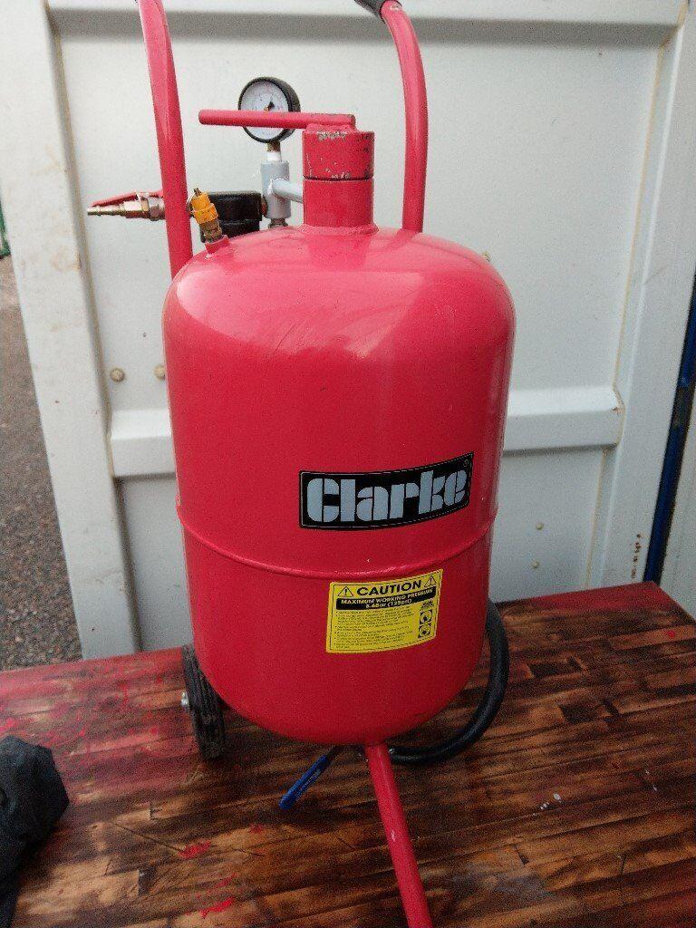 Clarke CPSB100 Pressurised Sandblaster
