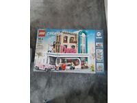 Lego creator downtown diner set 10260. Brand new