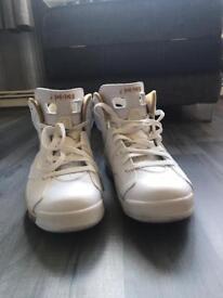 Jordan retro 6 gold pack 7.5uk