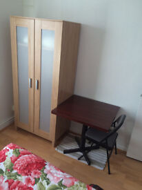 A stunning single room in Edgware Road