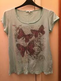 Gorgeous butterfly top size 14