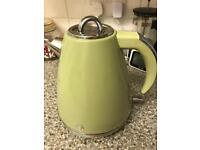 Swan sage green kettle