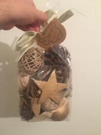 5 Bags Of Pot Pourri (Winter Gold) OVER HALF PRICE!