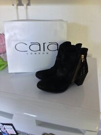 Ladies Size 4 Black Ankle Boots