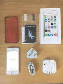 Apple iPhone 5s 16GB O2 SILVER & Covers