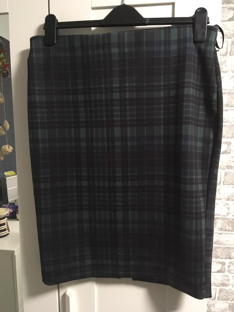 Green tartan pencil skirt
