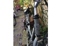 2016 Dawes Accona Town/Trek Bike 700c Great Condition Unisex Step-through Frame
