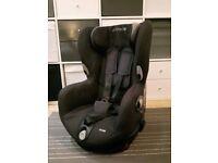 Maxi-Cosi Axiss Black Car Seat (Swivel)