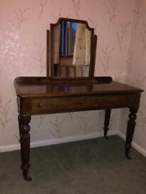 POLISHED VICTORIAN DRESSING/SIDE TABLE DRESSER FLUTED LEGS WITH CASTERS TURNED