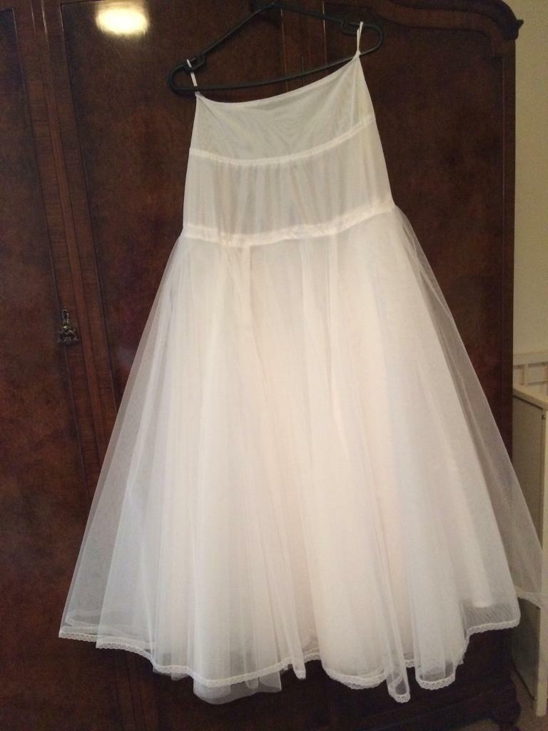 Wedding dress petticoatin Lancaster, LancashireGumtree - Wedding dress petticoat brand new never worn bought for £79 with my wedding dress but then I decided not to use it. There are four layers to this petticoat from a smoke and pet free home