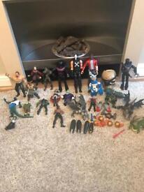Mix of figures