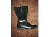 Lovely black boots size 5