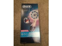 Oral B Pro 2 2000s Electric Toothbrush