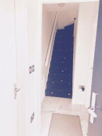 Lovely 1 bedroom split level Masionette TW15, Bills included!!
