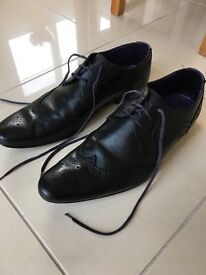 Men's Ted Baker black shoes size 10 - almost new