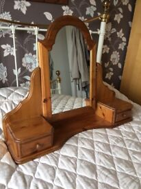 Ducal dressing table mirror and drawers