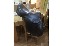 "John Whitaker 16"" Saddle Junior Pro narrow/medium- excellent condition for adults or children"