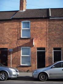 LINCOLN CITY 2 BEDROOM TOWN HOUSE TO RENT NEAR CASTLE