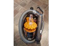 Dyson Hoover dc22 cylinder Hoover all floor