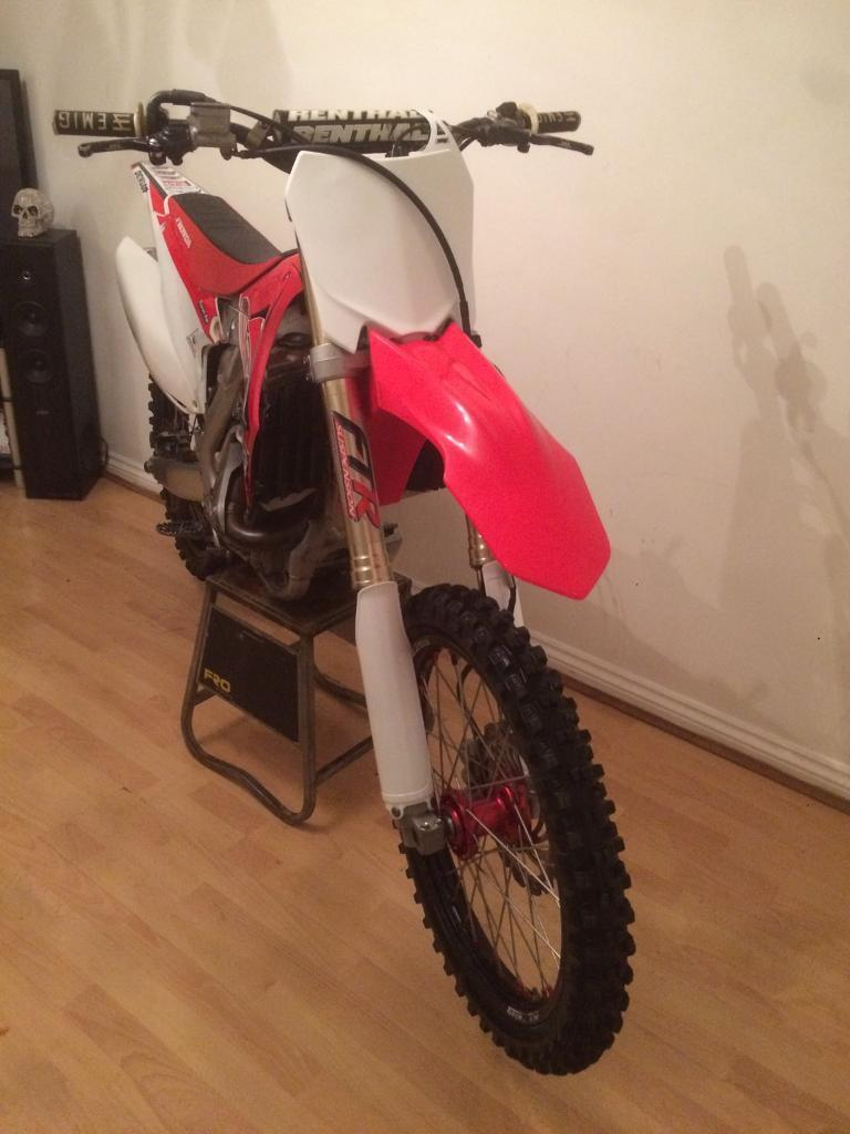Honda crf 450 2015 low Hours motocross bike great condition