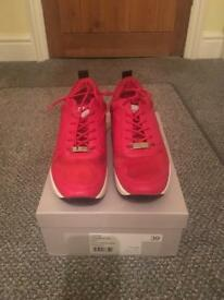 Carvella by Kurt Geiger red Linton sneakers/trainers