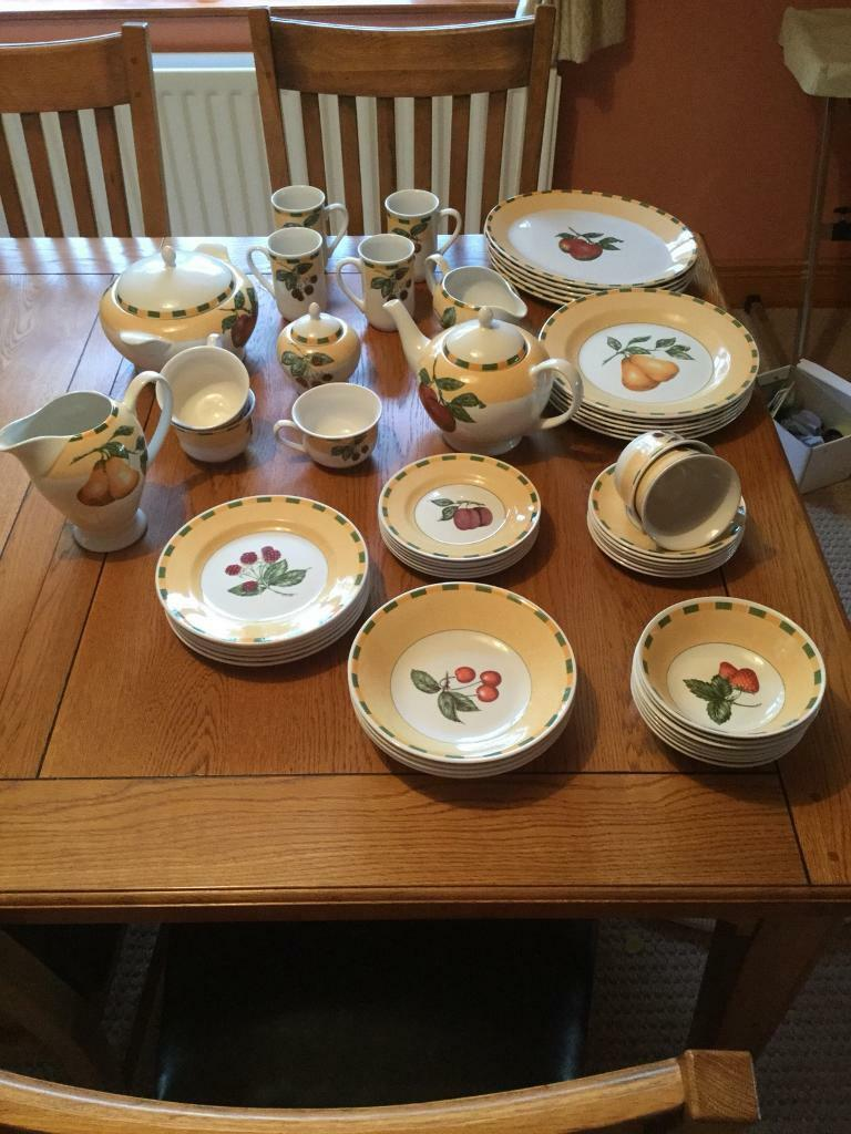 54 Piece Crockery Dinner and Tea Set