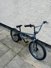 Diamondback Remix BMX bike
