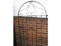 wrought iron gate 1.82 m x 0.81.5m good condition