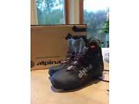 Cross country/Nordic/touring ski boots Alpina size UK 2.5