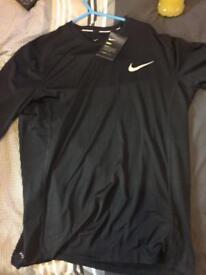 Brand New Nike Dry-Fit Long sleeve Tshirt £15- LARGE