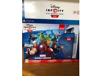 PS4 Disney Infinity 2.0 Starter Pack plus figurines