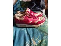 Genuine Nike airmax size 7