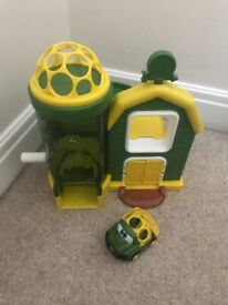 John Deere Oball Go Grippers playset and vehicle
