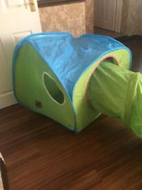 Pop up tent n tunnel