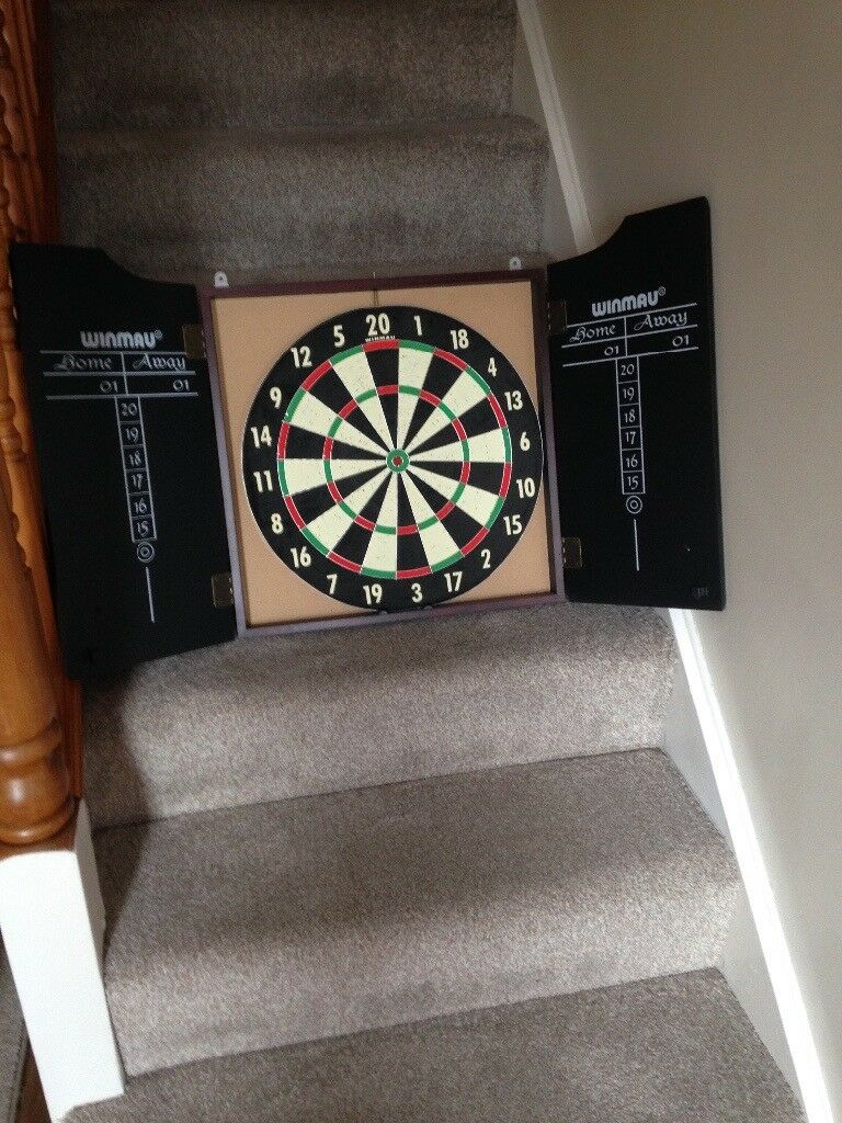 Dart board in wooden case