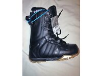 Nitro size 6.5uk snowboard boots in brand new condition