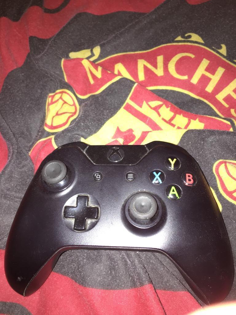Xbox one controller black
