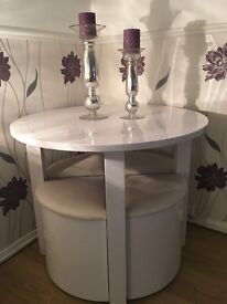 white high gloss table & chairs for sale. 6 months old and never used. Cost £300, selling for £150