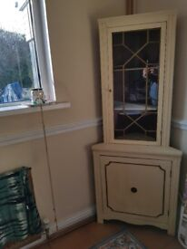 corner unit. mahogny painted shabby chic.