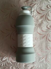 Water Bottle Soft Lightweight Fordable Silicone 580 ml Grey lightly used excellence condition