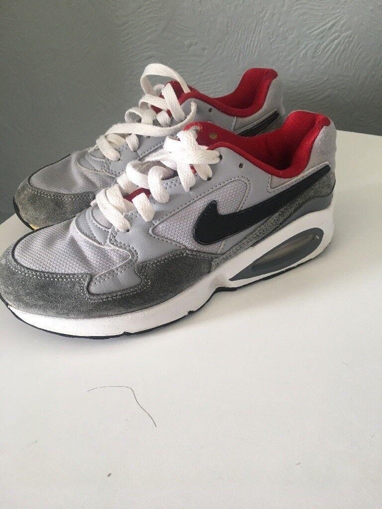 pretty nice 6fdb8 c8047 Nike air max trainers older boys size 3