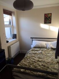 Small double room near the beach