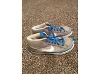 Kids nike trainers size 1