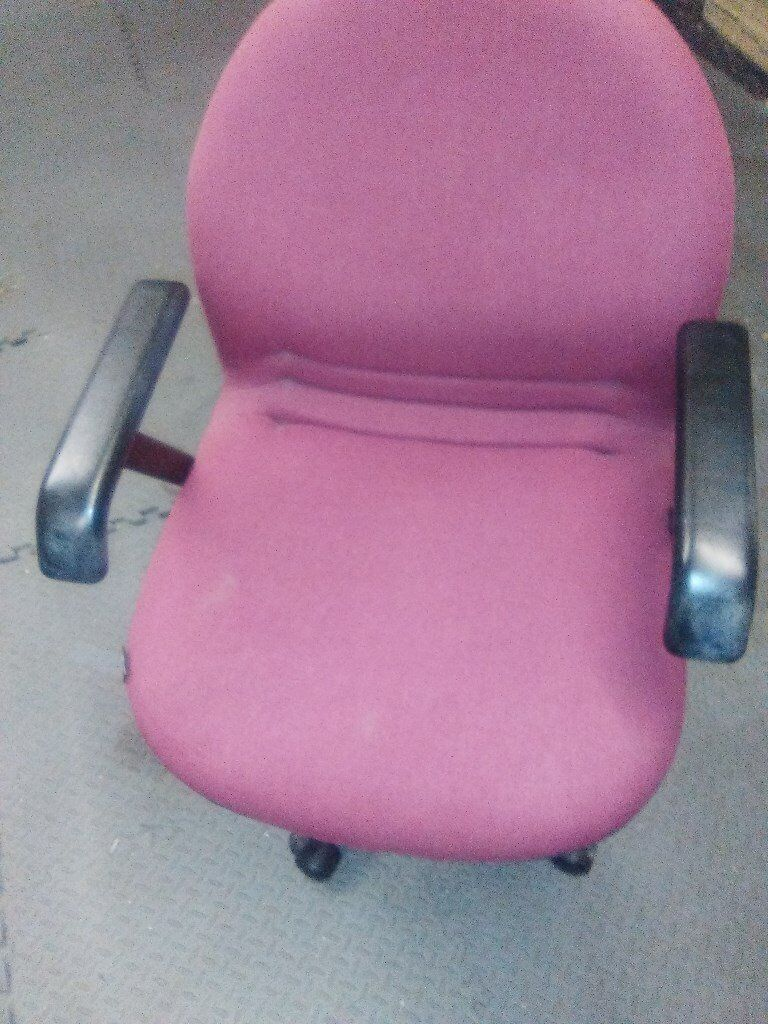 Office Desk Chair Fully Adjustable with Arms in Great Condition
